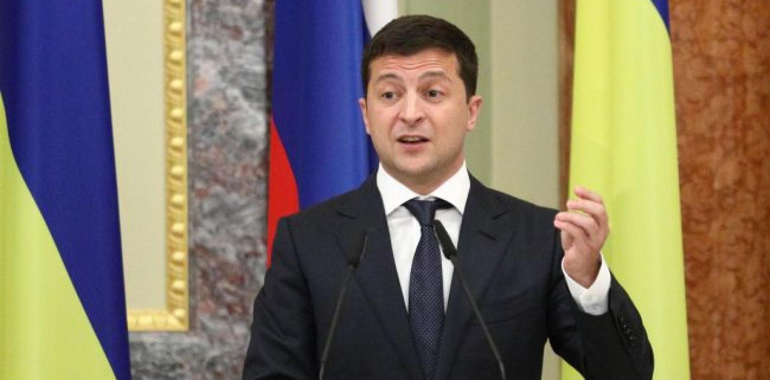 Зеленский выступил против продажи земли иностранцам