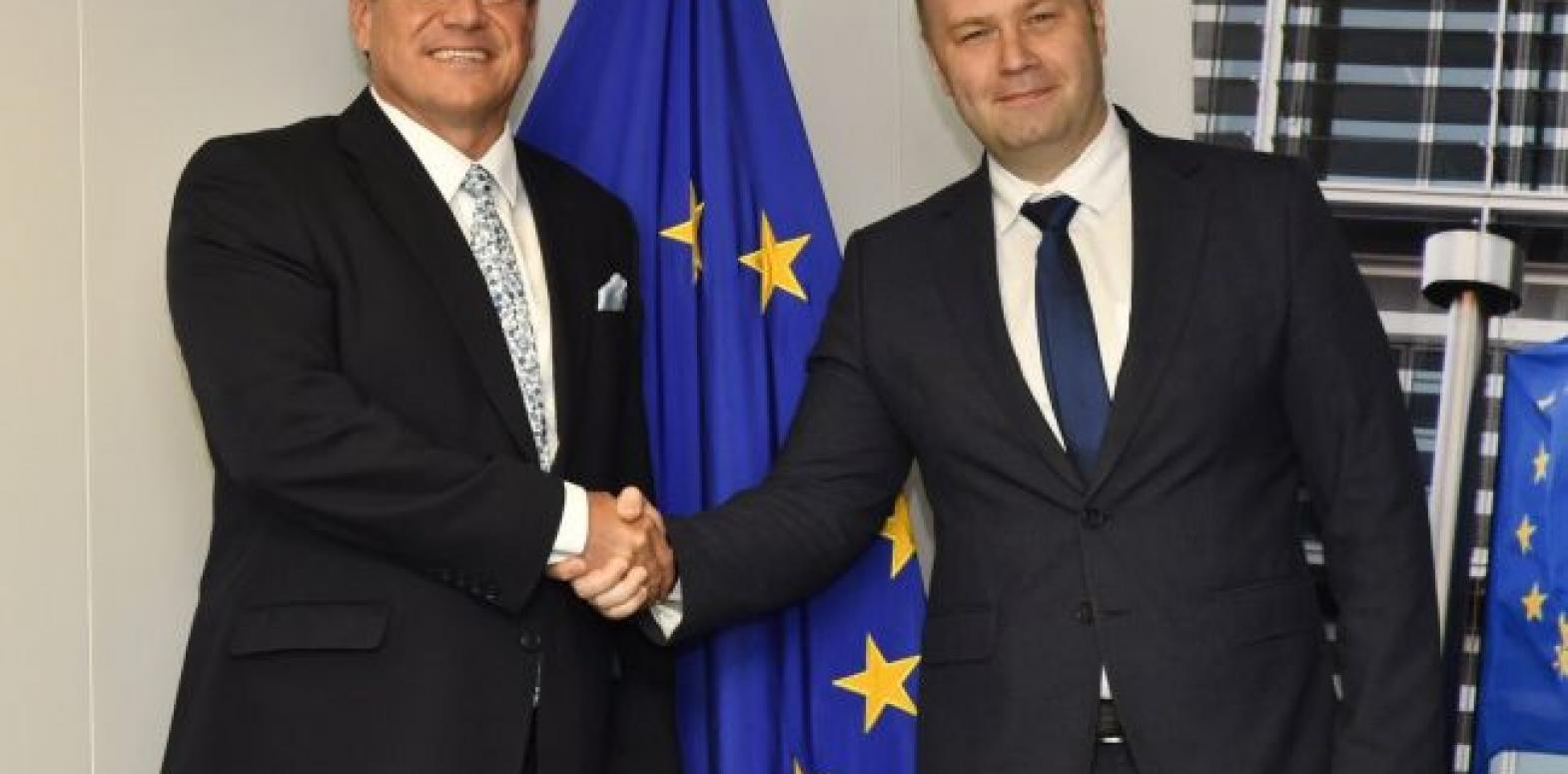 """В Еврокомиссии отреагировали на решение Кабмина по анбандлингу """"Нафтогаза"""""""