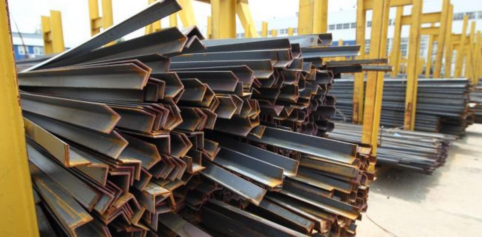 Производители промпродукции снижают цены третий месяц подряд