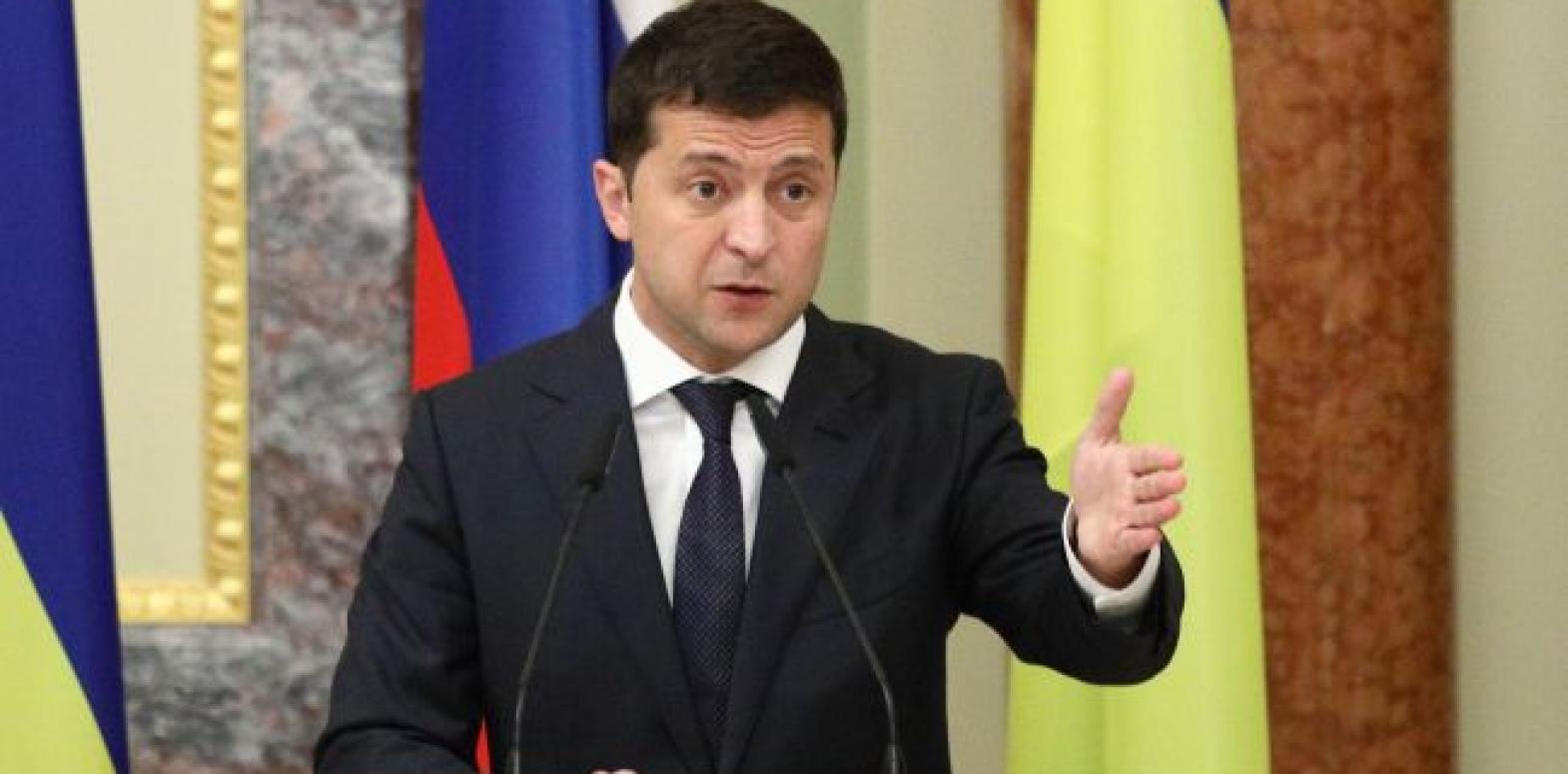 На подпись Зеленскому передали изменения в Бюджетный кодекс по ремонту дорог
