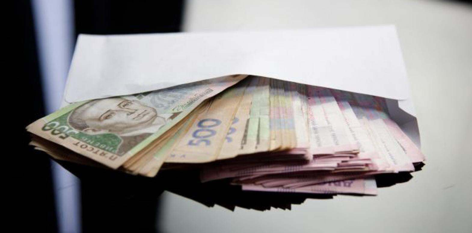 В Киеве выплачивают почти четверть всех зарплат в Украине