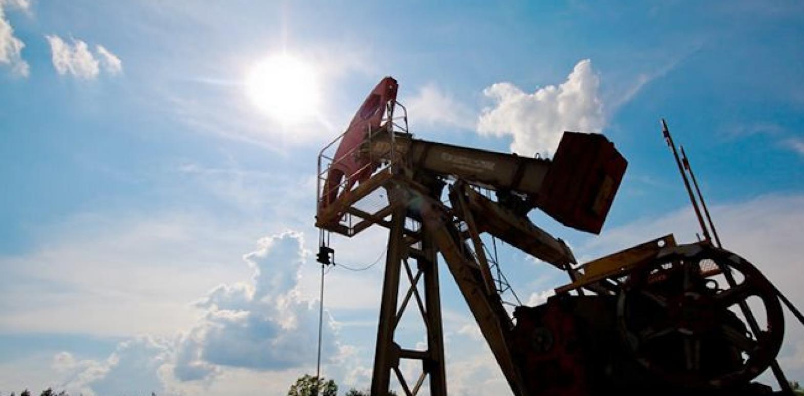 Нефть упала в цене ниже 22 долларов впервые за 17 лет