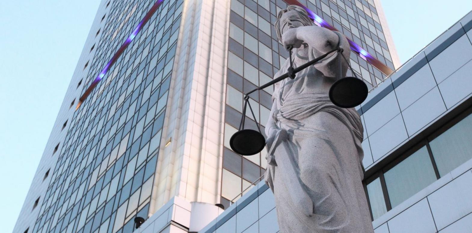Хозсуд приостановил дело АМКУ о принудительном взыскании 6,5 млрд грн у табачныхкомпаний