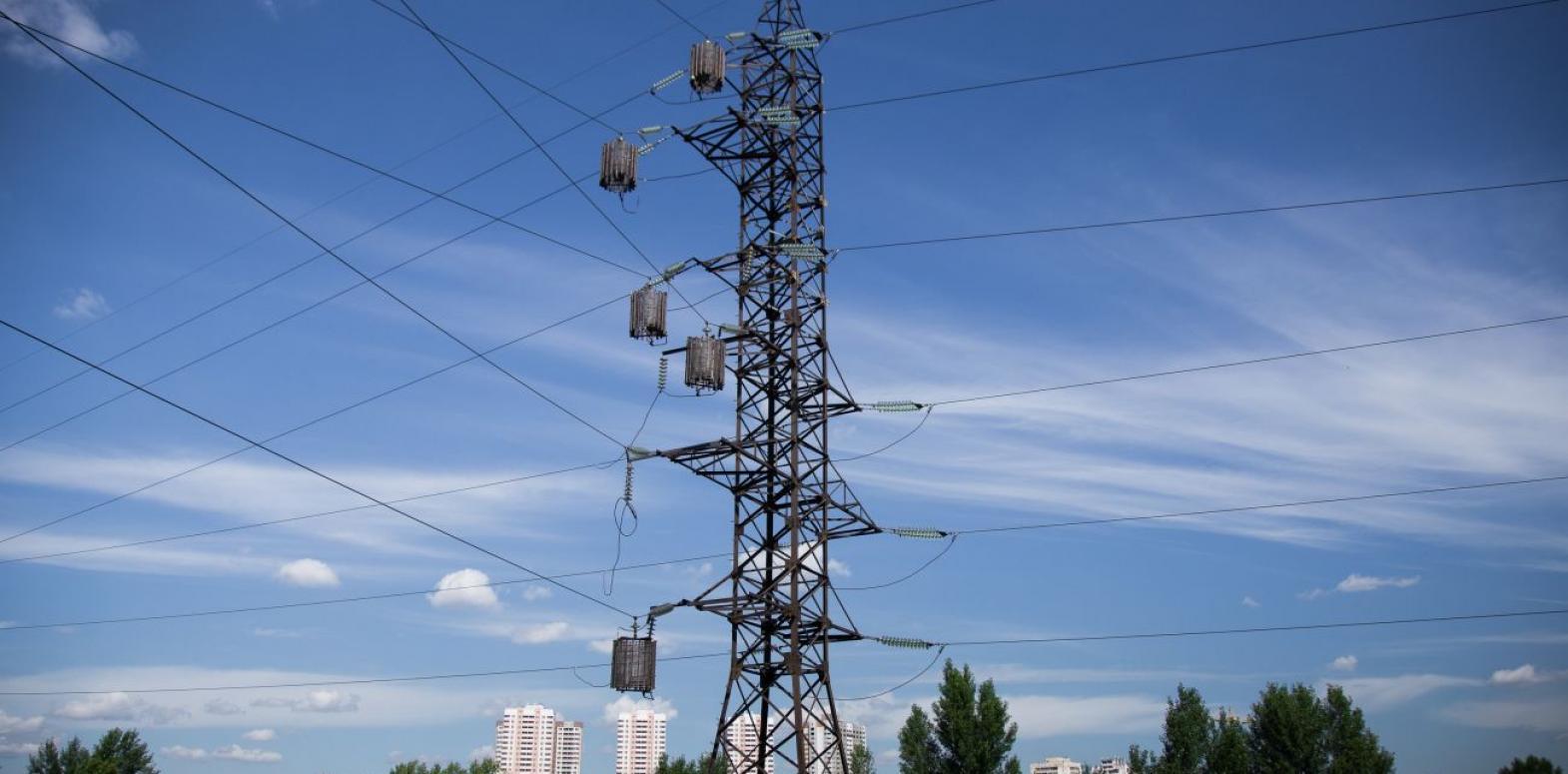 Спад потребления электроэнергии замедлился почти до нуля