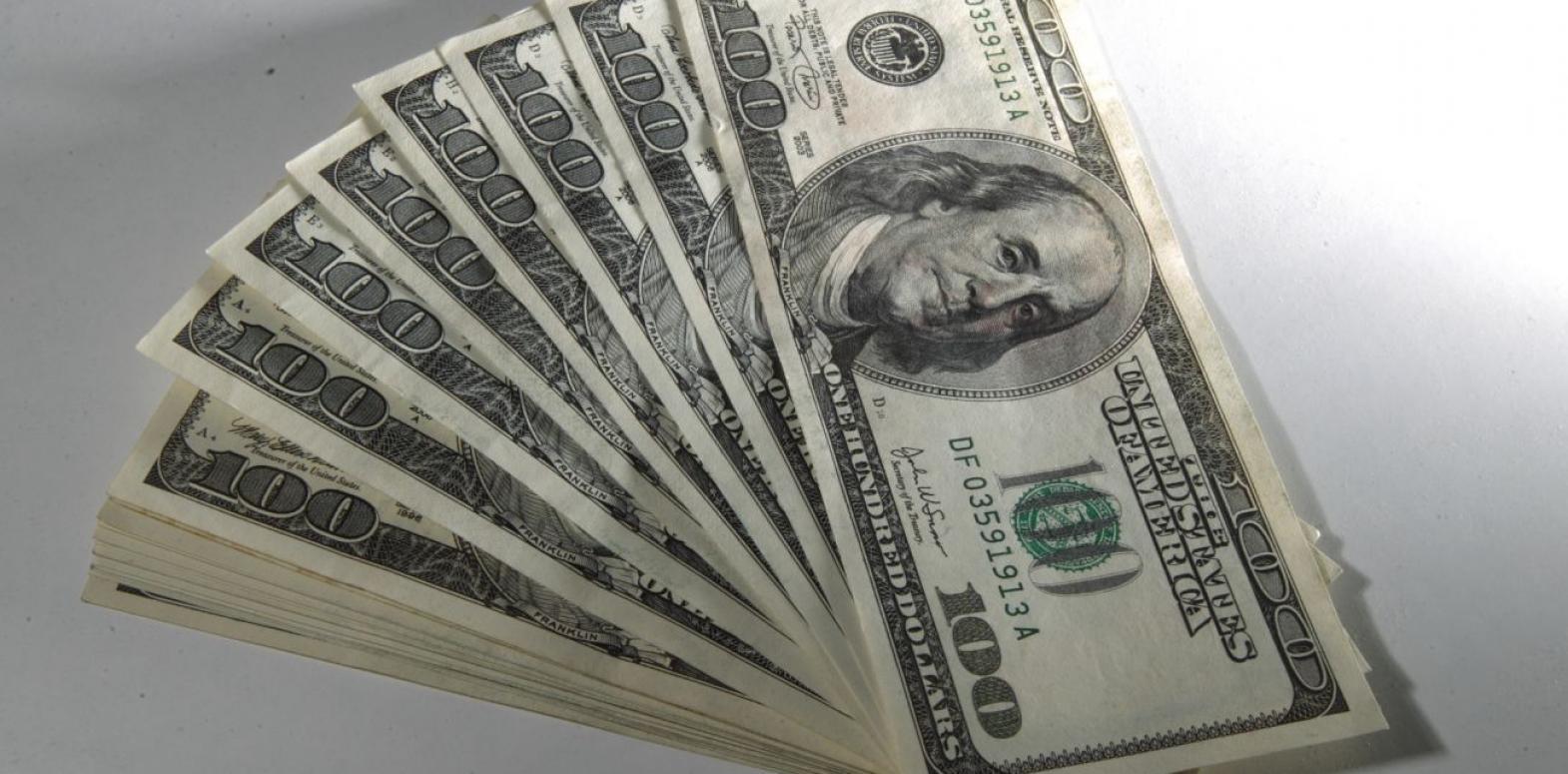 Неделя началась с роста курса доллара на межабнке