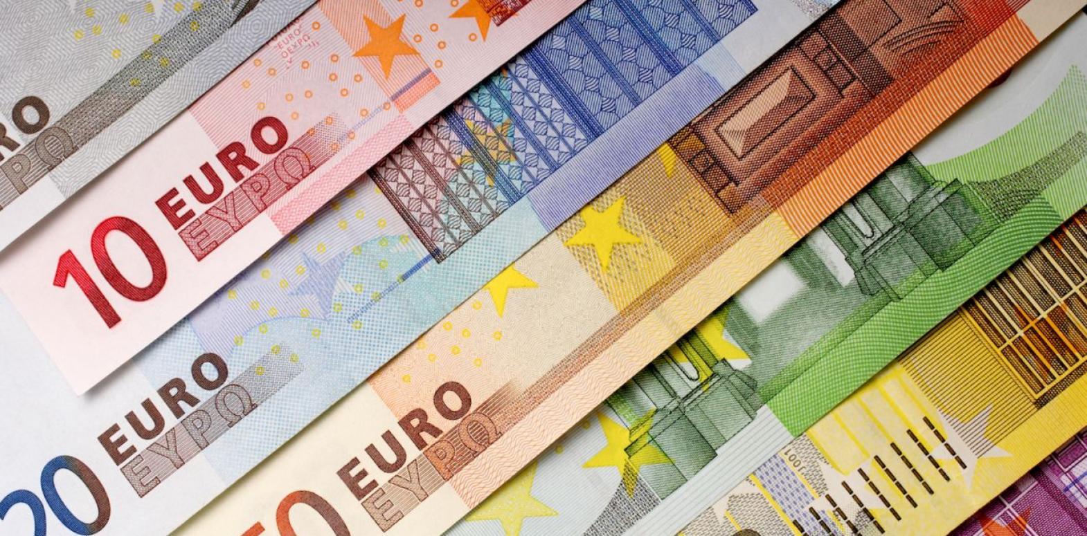 Курс евро вырос до максимума почти за три года