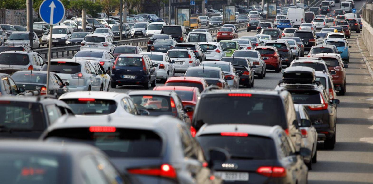 Цены на бензин и автогаз растут на АЗС