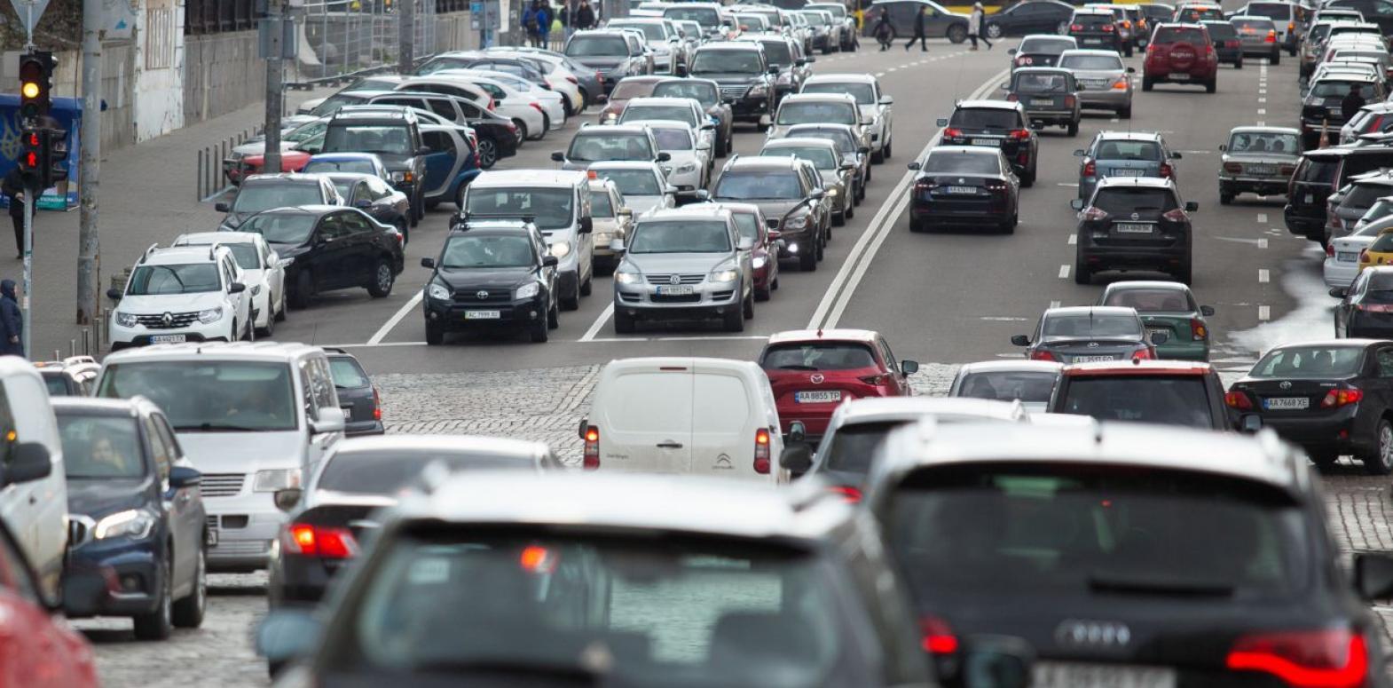 Бензин и ДТ дорожают: сколько стоит топливо на АЗС